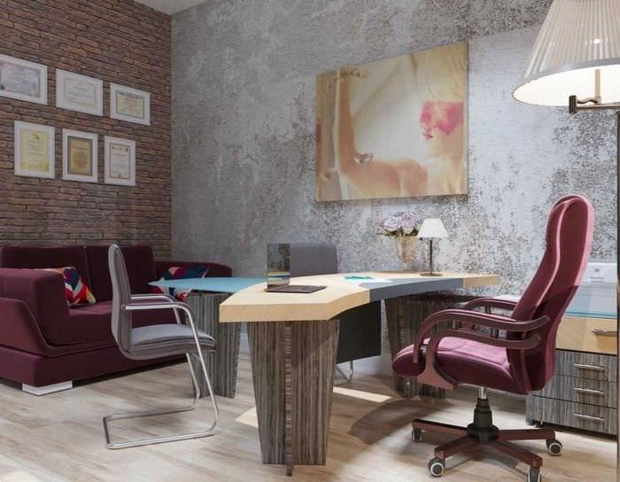 идея яркой декоративной штукатурки в дизайне гостиной под бетон