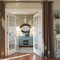 вариант оригинальных декоративных штор в стиле квартиры фото