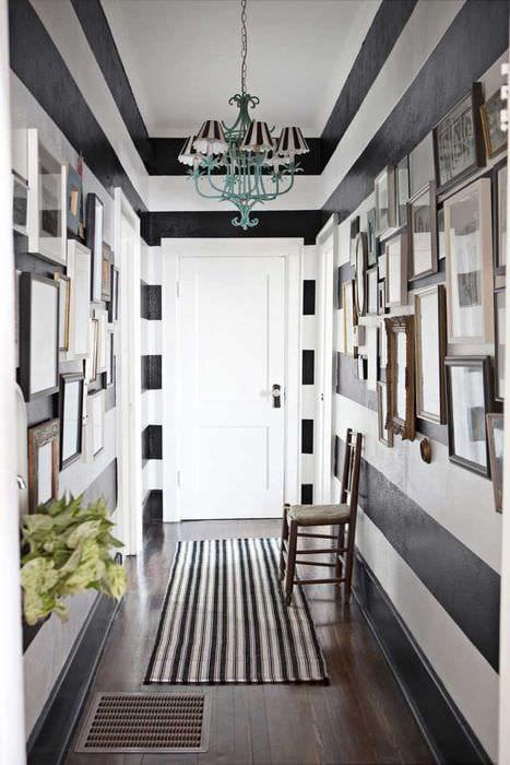 вариант яркого стиля коридора