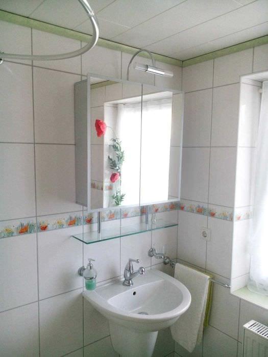идея оригинального стиля белой ванной комнаты