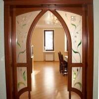 вариант необычного декора спальни с аркой картинка