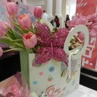 идея красивого декорирования предметов к 8 марта картинка