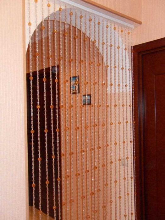идея красивых декоративных штор в стиле комнаты