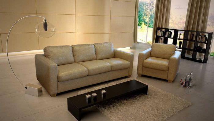 вариант красивого декора комнаты с диваном