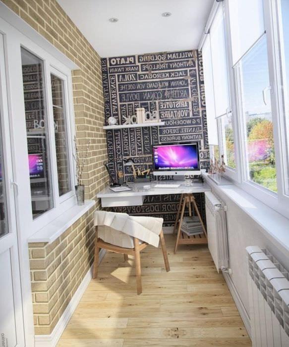 вариант оригинального стиля небольшого балкона