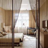 идея оригинальных декоративных штор в интерьере квартиры фото