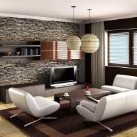 вариант яркого декоративного камня в дизайне квартиры картинка