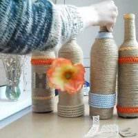 вариант необычного декорирования стеклянных бутылок солью фото