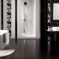 вариант красивого интерьера белой ванной фото