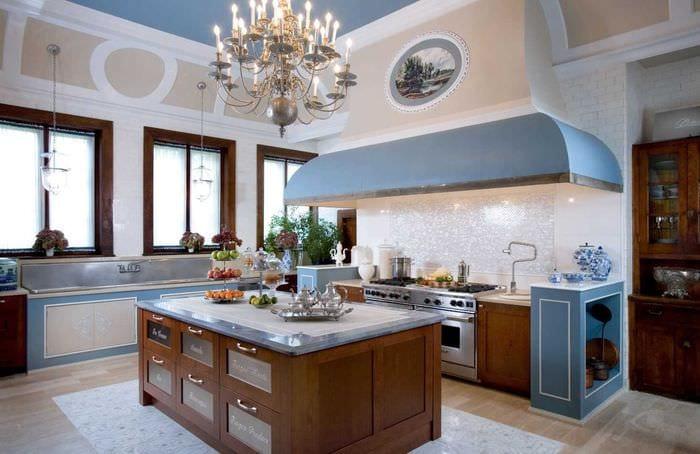 вариант необычного стиля большой кухни