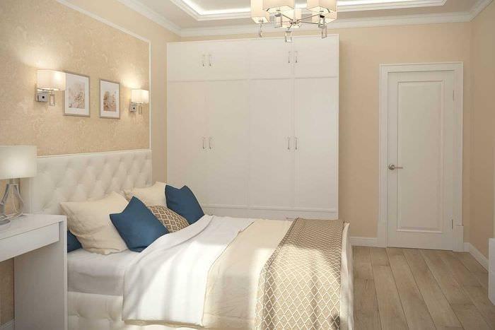 идея яркого интерьера 2 комнатной квартиры