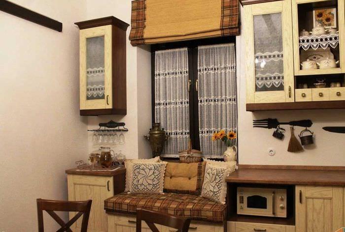 вариант яркого стиля дома в деревне