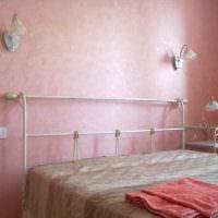 идея яркой декоративной штукатурки в интерьере квартиры фото