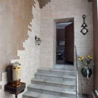 идея необычного декоративного камня в интерьере комнаты картинка