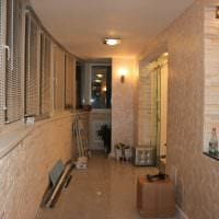вариант оригинального фасада комнаты с декоративной штукатуркой картинка