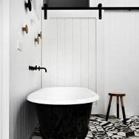 вариант яркого стиля белой ванной комнаты фото