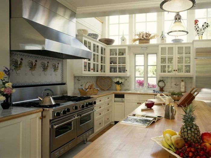 вариант необычного интерьера кухни