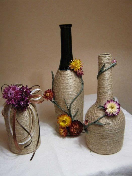 идея яркого декорирования настольной вазы