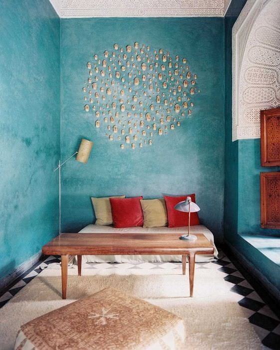 идея оригинальной декоративной штукатурки в стиле гостиной