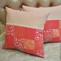 идея оригинальных декоративных подушек в дизайне гостиной фото