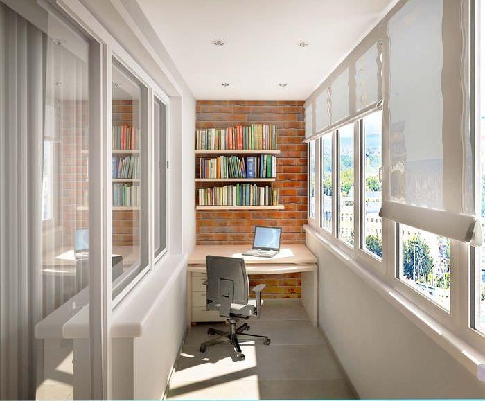 вариант оригинального интерьера маленького балкона