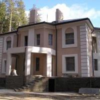 идея яркого фасада загородного дома фото
