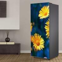идея красивого украшения холодильника на кухне фото