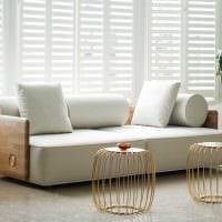 вариант современного дизайна квартиры с диваном картинка