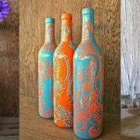 вариант яркого декорирования стеклянных бутылок бисером картинка