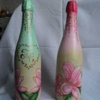 вариант стильного декорирования бутылок солью картинка