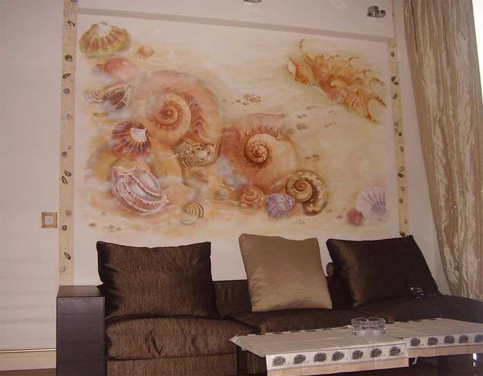 идея оригинального декора квартиры с декоративным рисунком на стене