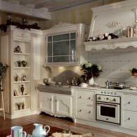 идея яркого интерьера большой кухни картинка