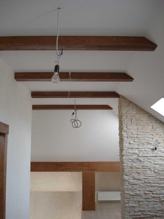 вариант красивого декора квартиры с декоративными балками