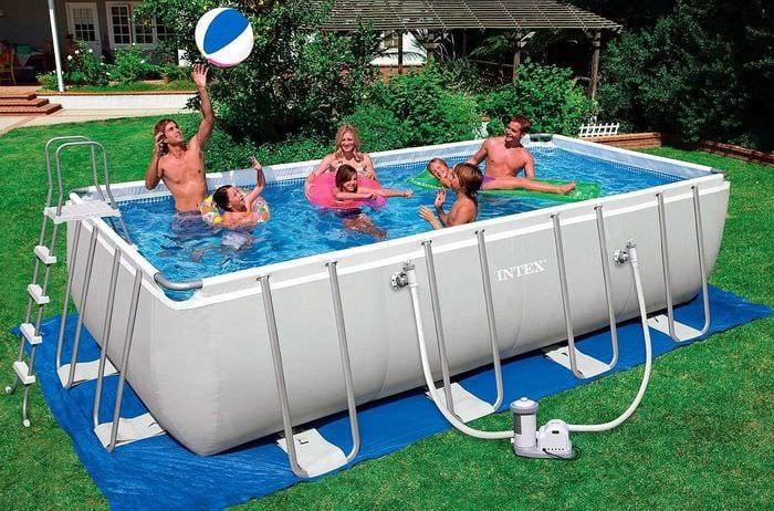 идея современного дизайна небольшого бассейна