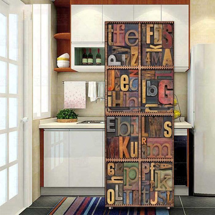 идея красивого оформления холодильника