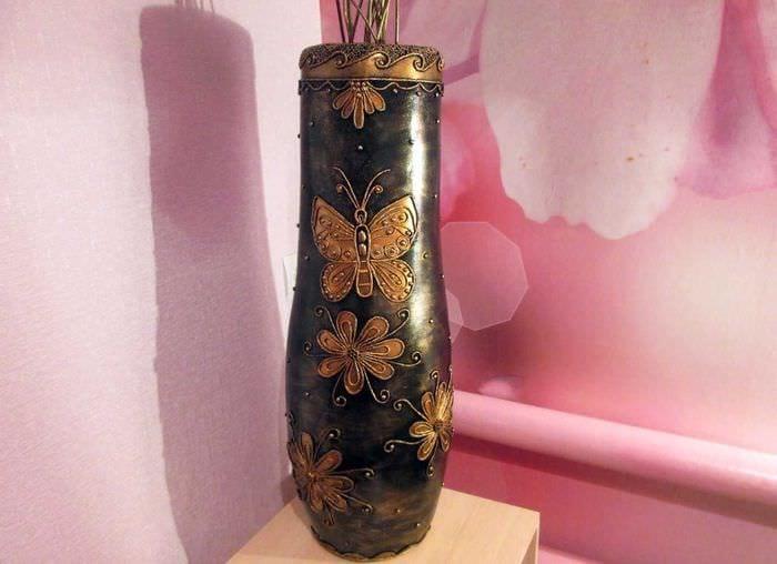 вариант красивого украшения вазы