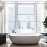 вариант красивого интерьера белой ванной комнаты картинка
