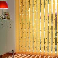 идея необычных декоративных штор в дизайне комнаты фото