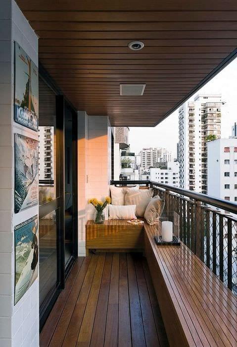 вариант современного интерьера маленького балкона
