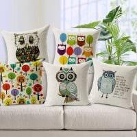 идея необычных декоративных подушек в стиле гостиной фото