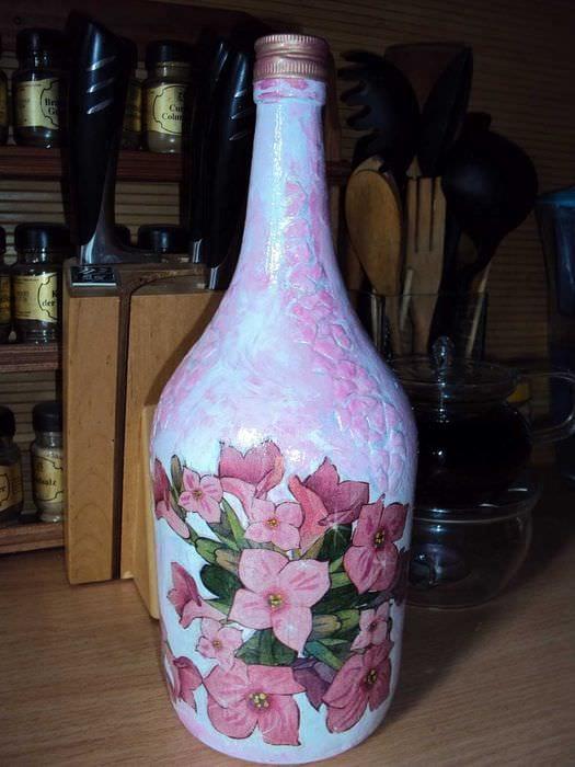 идея оригинального декорирования бутылок бисером