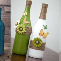 идея стильного декорирования стеклянных бутылок бисером фото