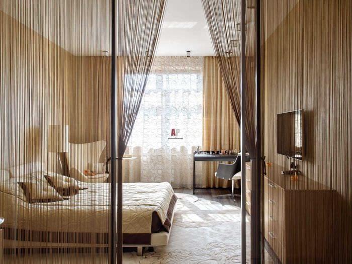 идея красивых декоративных штор в дизайне квартиры
