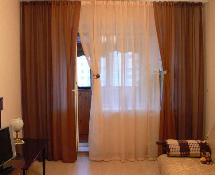 идея оригинальных декоративных штор в дизайне квартиры