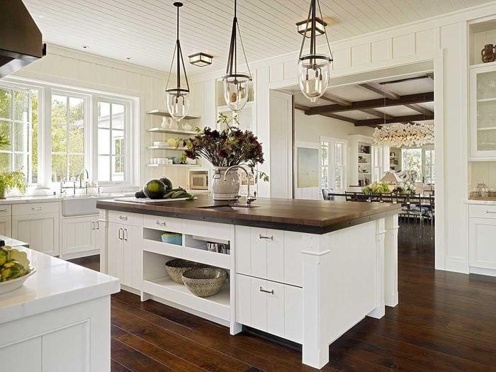 идея красивого интерьера большой кухни