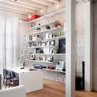 идея красивого дизайна гостиной с декоративными балками картинка