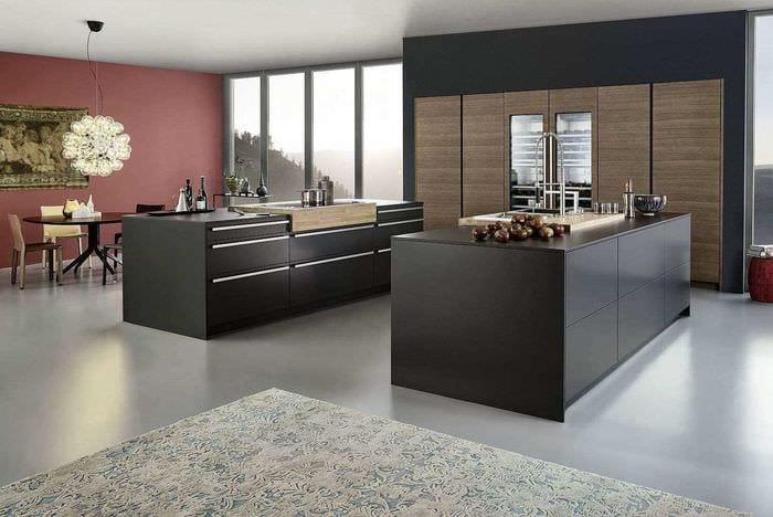 вариант яркого дизайна большой кухни