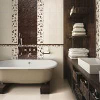 вариант яркого интерьера ванной комнаты в квартире картинка