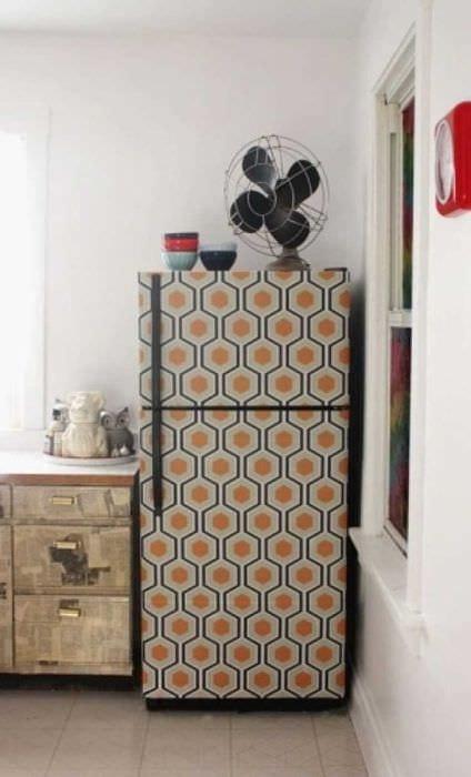 идея красивого украшения холодильника