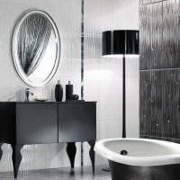 вариант красивого интерьера ванной комнаты в черно-белых тонах картинка